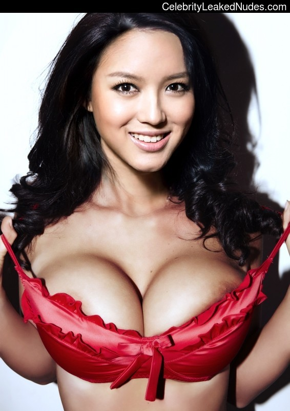 naked Zhang Zilin 2 pic