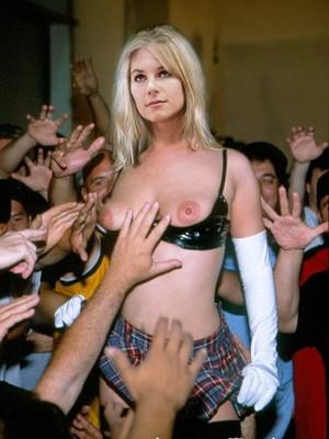 Hot Naked Celeb Adriana Tuchyna 31 pic
