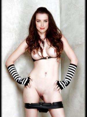 Amber Heard naked
