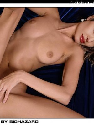 Celebrity Nude Pic Angelina Jolie 20 pic