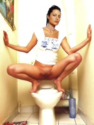 Free Nude Celeb Angelina Jolie 8 pic