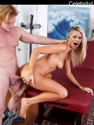 Naked annalynne mccord AnnaLynne McCord