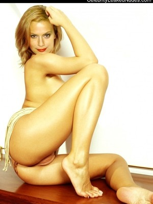 brittany murphy nude nackt porno