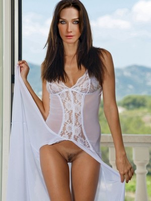 Carla Bruni naked celebrity