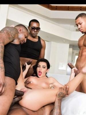 Hot Naked Celeb Charli XCX 1 pic