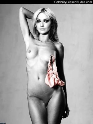 Dakota Fanning celebrities naked