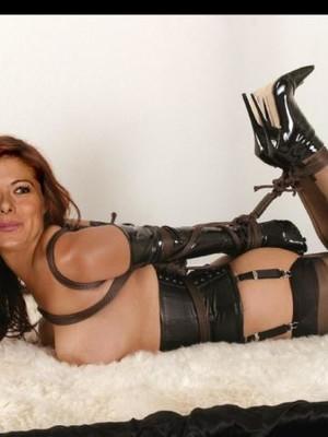 Free nude Celebrity Debra Messing 10 pic