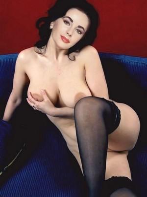 Nackt Elizabeth Taylor  Naked Yoga