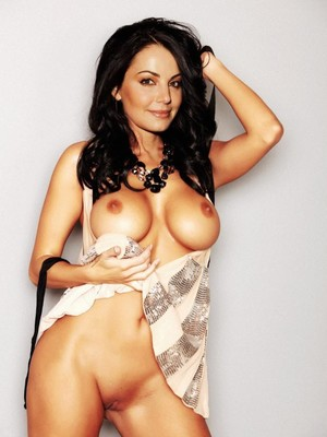 Erica Durance nude celebrity pics