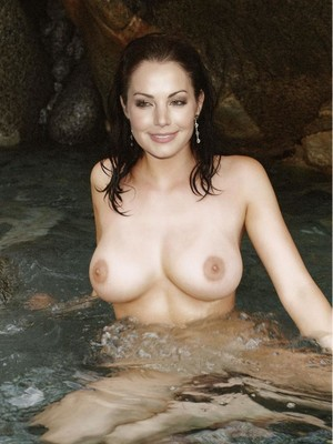 Erica Durance nude celebrity pictures