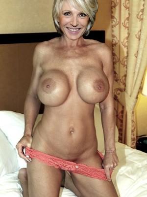 Naked Celebrity Pic Evelyne Dheliat 10 pic