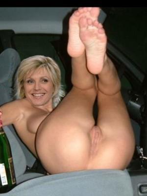Free nude Celebrity Evelyne Dheliat 12 pic