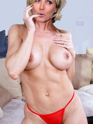 Nude Celebrity Picture Evelyne Dheliat 22 pic