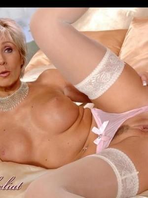 Newest Celebrity Nude Evelyne Dheliat 29 pic