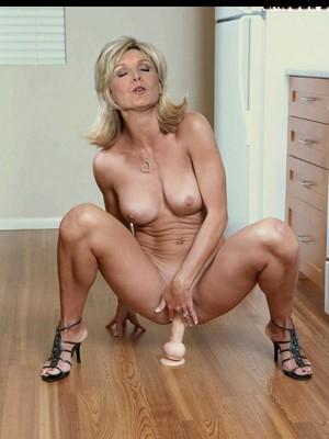 Hot Naked Celeb Evelyne Dheliat 31 pic