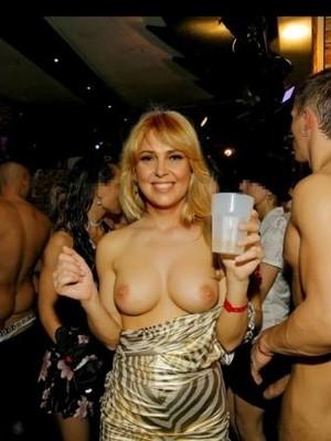 Celeb Nude Ewa Wachowicz 1 pic