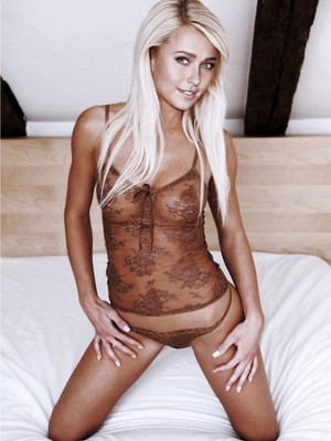 fake nude celebs Hayden Panettiere 21 pic