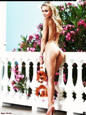 Naked celebrity picture Hayden Panettiere 15 pic