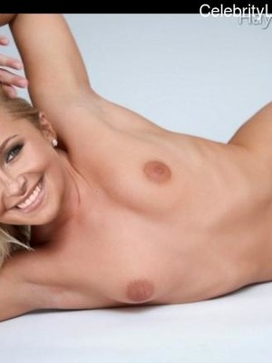 Naked celebrity picture Hayden Panettiere 1 pic