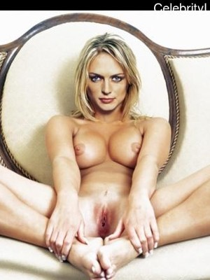 Celeb Nude Heather Graham 3 pic
