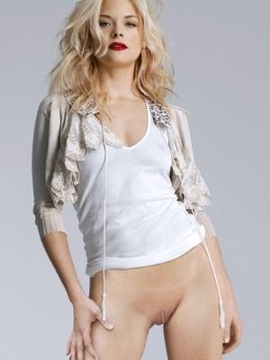 Jaime King naked celebrities