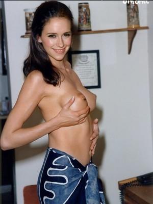 Naked Celebrity Pic Jennifer Love Hewitt 13 pic