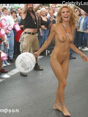 Charlotte Simpson  nackt