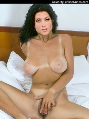 Nude Celeb Kate Walsh 15 pic