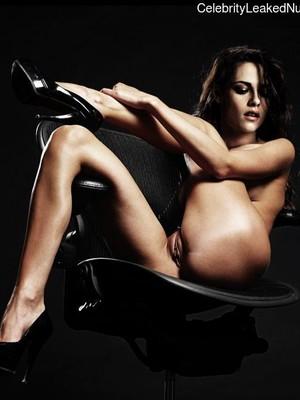 Newest Celebrity Nude Kristen Stewart 2 pic