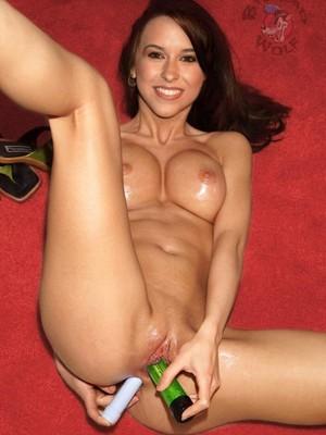 Lacey Chabert free nude celeb pics