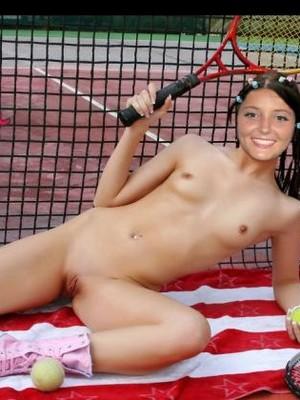 Celeb Nude Laura Robson 3 pic