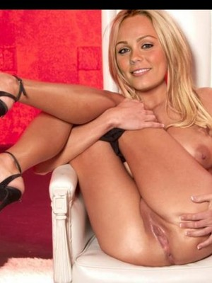 Hot Naked Celeb Laura Vandervoort 24 pic