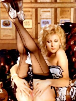 celeb nude Leelee Sobieski 2 pic