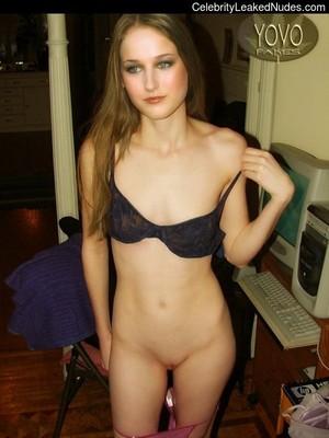 Celeb Nude Leelee Sobieski 9 pic