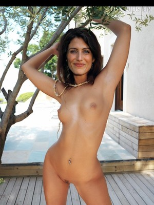 Celebrity Nude Pic Lisa Edelstein 21 pic