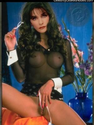 Marina Sirtis  nackt