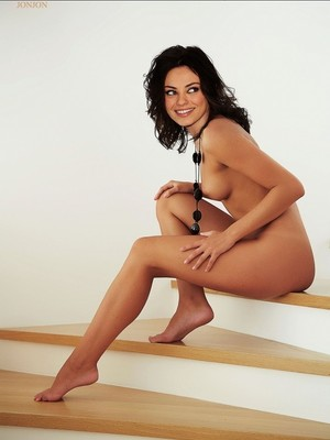 Mila Kunis nude celebrities