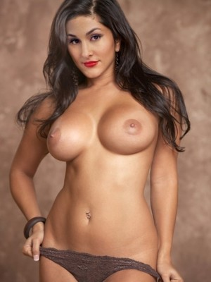 Nikki Bella nude celebrities