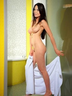 Olivia Munn fake nude celebs