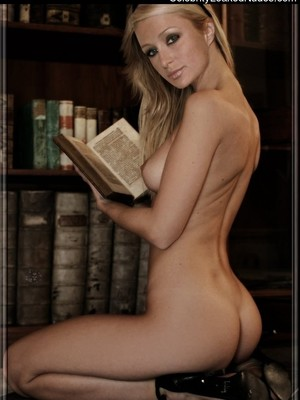 Naked Celebrity Paris Hilton 11 pic