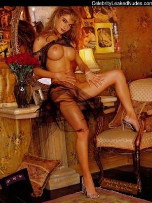 Porizkova nude paulina Paulina Porizkova,