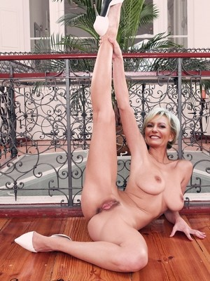 Real Celebrity Nude Sabine Christiansen 22 pic