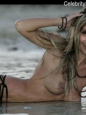 Sally Mustang  nackt