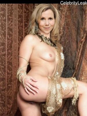 Sally Paton  nackt