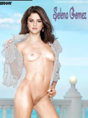 Free Nude Celeb Selena Gomez 11 pic