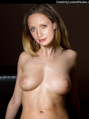 Nackt zoe Zoe Laverne