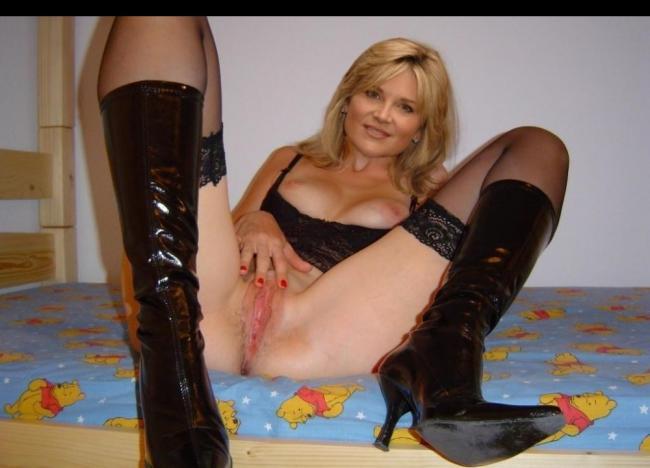 anthea turner nude pics