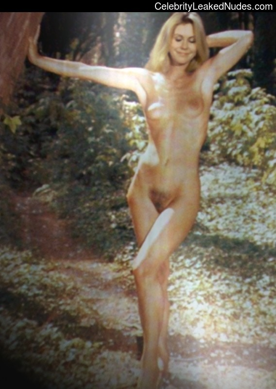 laura prepon naked pic