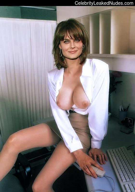 Emily deschanel topless