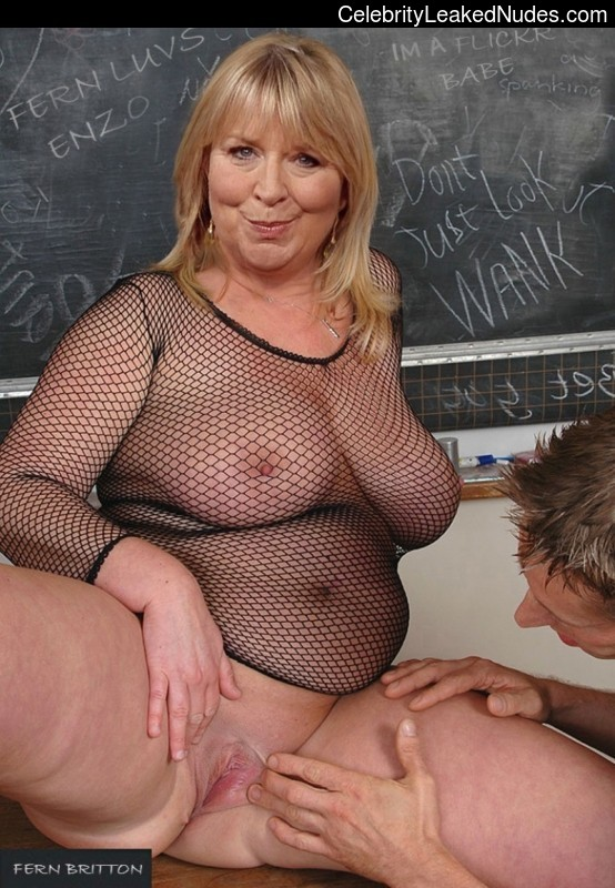 lesley garrett topless